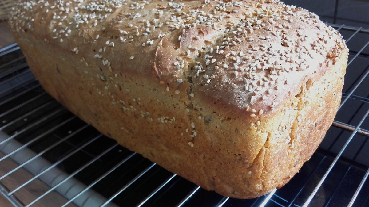 Einfach gesund ernähren: Brot selbst backen